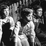 the three kids in the night at the radley gate